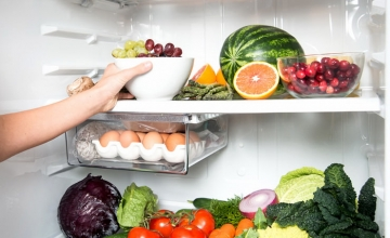 Самостоятельное перевешивание двери холодильника